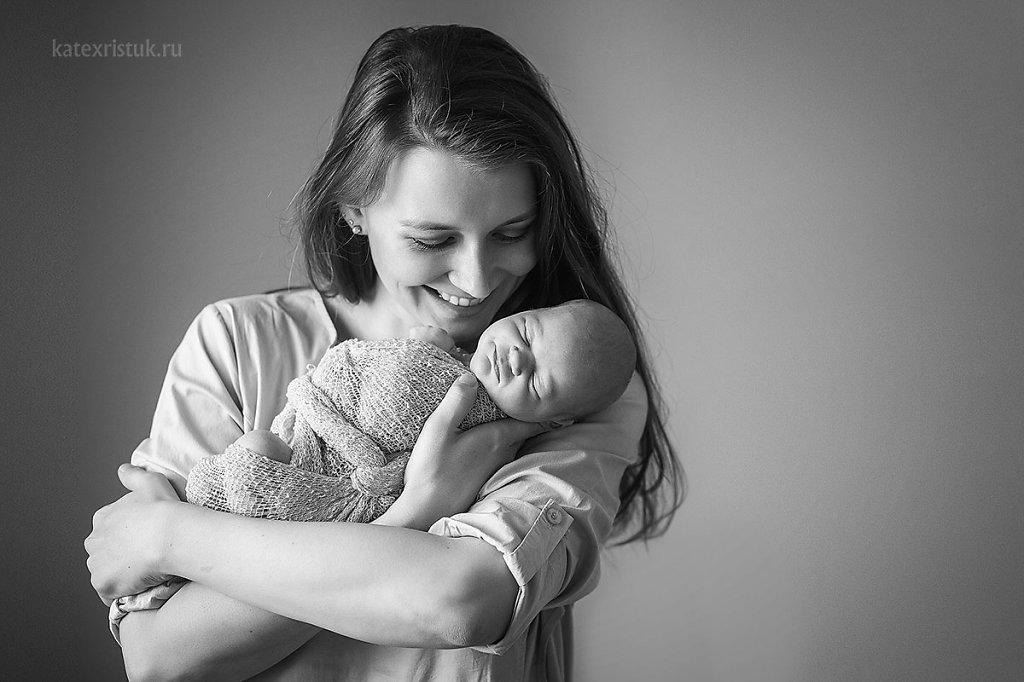 Новорожденный малыш с мамой фото