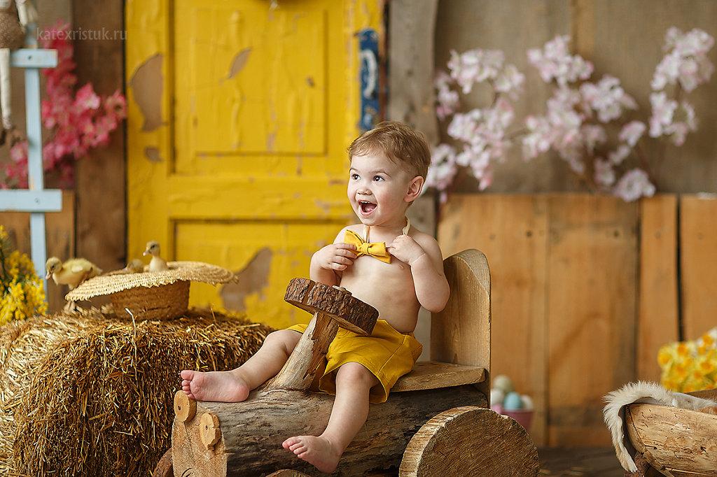 Фото малыша с бабочкой